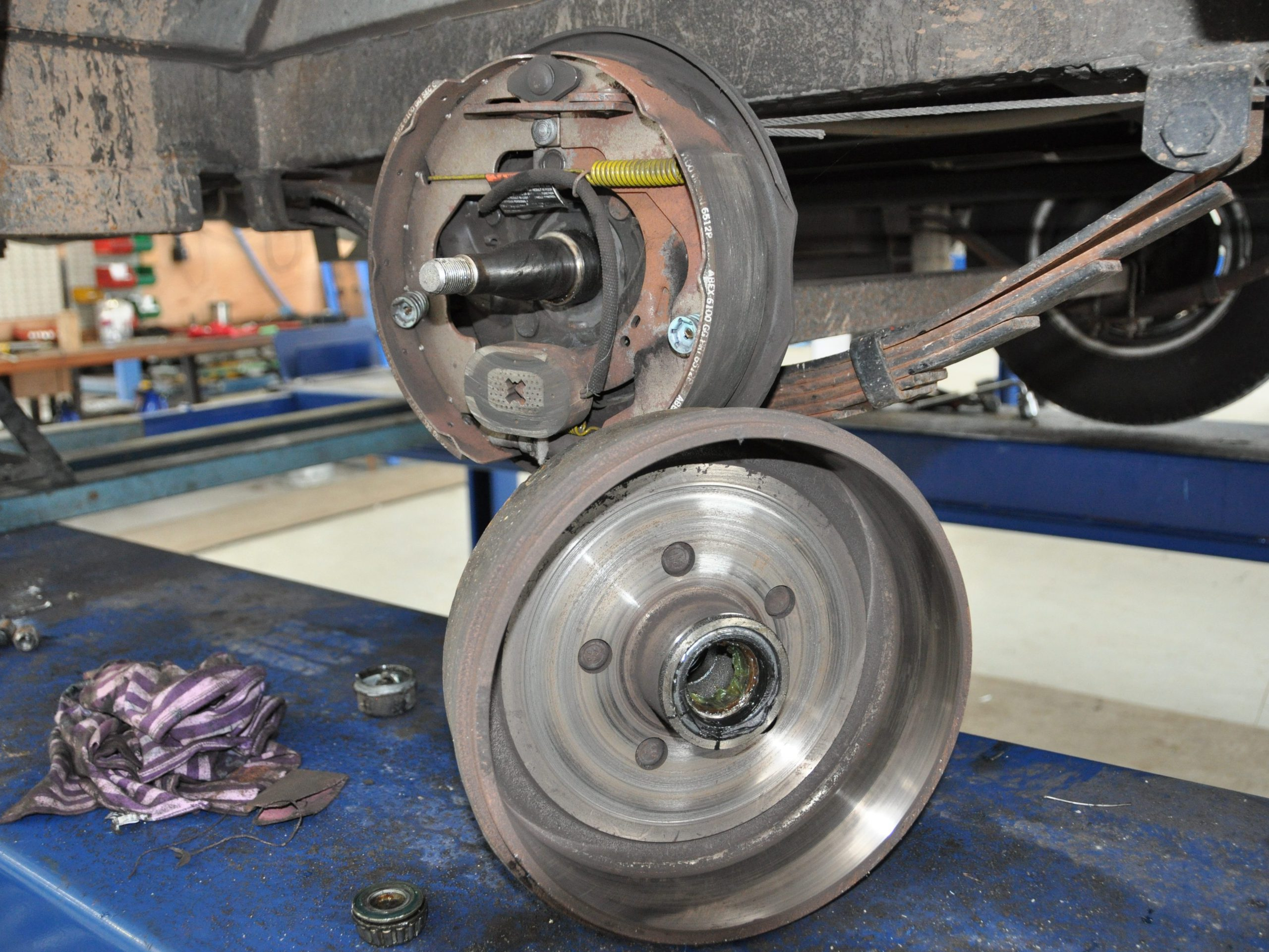 Servicing Electric Brakes