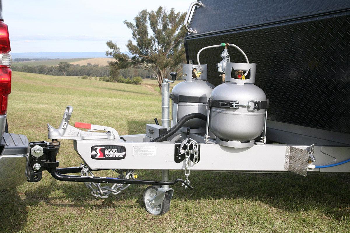 Caravan-hitch-up-rig